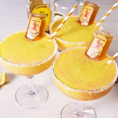 Cinco de Mayo Drinks - Recipes for Tequila Cocktails Margarita Recipes, Smoothie Recipes, Yummy Drinks, Yummy Food, Liquor Drinks, Tequila Drinks, Mango Drinks, Easy Alcoholic Drinks, Beverages