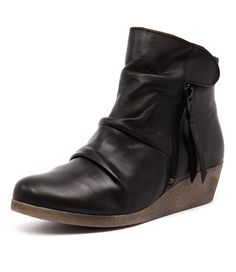 UGG® Purl Strap Chestnut | Women's Suede Boots | Footwear etc.
