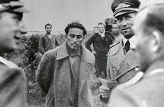 1941, Union Soviétique, Le Lieutenant Iakov Djougachvili (fils de Staline) fait POW lors de la bataille de Smolensk. Il décèdera le 14 avril 1943 en captivité, dans des circonstances non élucidées