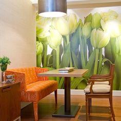 02/07 Para darle un efecto impresionante a este espacio, utilizamos un fotomural. #diseño #design #interiores #interiordesign #diariodeunadiseñadora