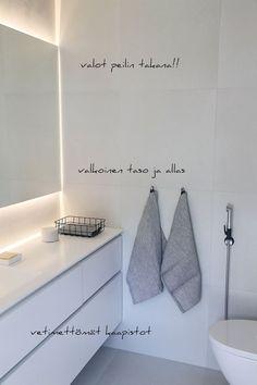 Bathroom Toilets, Laundry In Bathroom, Dream Bathrooms, Beautiful Bathrooms, Bathroom Interior, Modern Bathroom, Minimalist Bathroom Design, Sauna, House Rooms