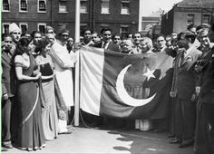 The new Pakistani flag being raised at the embassy in London for the first time in 1947.