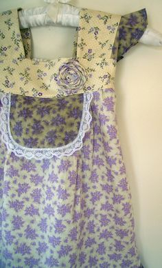 lavender apron-my grandmother had one just like this Lavender Cottage, Little Presents, Cute Aprons, Sewing Aprons, Aprons Vintage, Vintage Girls, Flower Dresses, Violet, Shades Of Purple