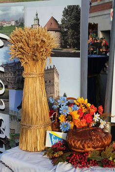 Symbols of Ukraine: Wheat Sheaf and Bread