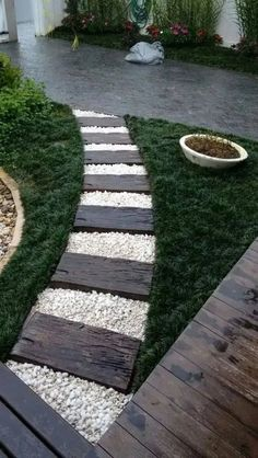 stunning spring garden ideas for front yard and backyard landscaping page 128 stunning spring garden ideas for front yard and backyard landscaping page zdjęcie 38 beautiful backyard garden landscaping ideas that looks great 9 Small Front Yard Landscaping, Stone Landscaping, Landscaping With Rocks, Backyard Landscaping, Walkway Ideas, Porch Ideas, Patio Ideas, Diy Landscaping Ideas, Cheap Landscaping Ideas For Front Yard