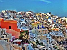 Santorini: maalauksellisia postikorttimaisemia. #Santorini #Greece #Aurinkomatkat