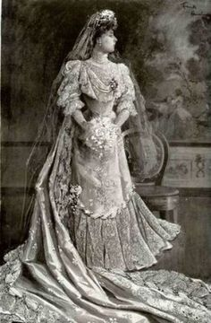 Princess Wedding Dresses, Bridal Wedding Dresses, Wedding Bride, Wedding Tips, Trendy Wedding, Bridal Gown, Vintage Wedding Photography, Vintage Wedding Photos, Victorian Gown