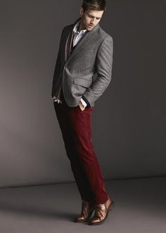Maroon pants with brown dress shoes, white dress shirt, maybe brown vest and grey jacket. Burgundy Pants Men, Burgundy Chinos, Red Chinos, Maroon Pants, Mens Fashion Blazer, Mens Fashion Wear, Red Pants Outfit, Red Dress Pants Mens, Dress Shirt