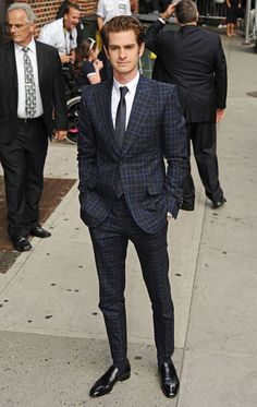I couldn't care less about Spiderman, but THIS is how you wear a suit. Love.