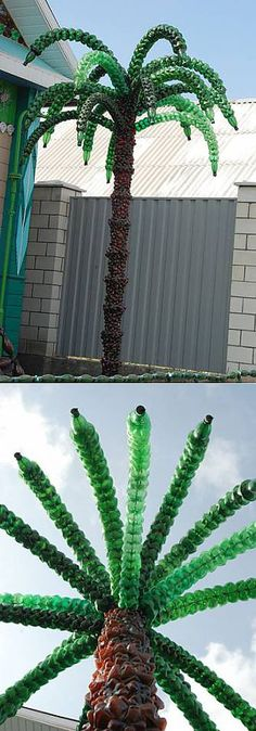 Palm tree from from Belorusi from Eduard Dmitriyevich Moiseenko. From plastic bottles. Plastic Bottle Flowers, Plastic Bottle Crafts, Plastic Art, Recycle Plastic Bottles, Recycled Bottles, Recycled Crafts, Bottle Palm Tree, Bottle Garden, Diy Recycle