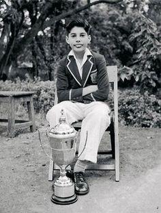 Young Freddie Mercury (age 10-12?)