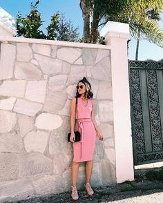 """84.9 mil curtidas, 362 comentários - Camila Coelho (@camilacoelho) no Instagram: """"Pink vibes! #ootd Manhã relax em LA usando conjunto lindo (e mega confortável) da @damyller -…"""""""