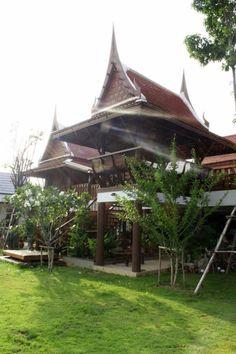 Booking.com: รีสอร์ท บ้านไทย เฮ้าส์ , พระนครศรีอยุธยา, ไทย - 373 ความคิดเห็นจากผู้เข้าพัก . จองที่พักของท่านได้เลย! Asian House, Thai House, Millionaire Homes, Traditional House, Building Design, Gazebo, Houses, Outdoor Structures, House Design