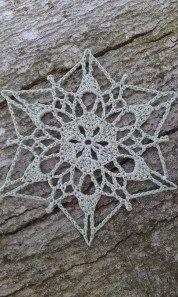 Sunday Snowflake Crochet Pattern by snowflakepatterns