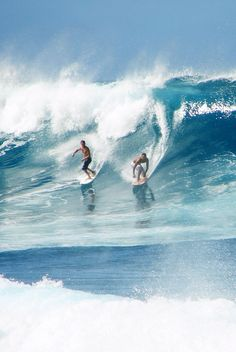 Surfing holidays is a surfing vlog with instructional surf videos, fails and big waves Big Waves, Ocean Waves, California Surf, Surf Style, Surfs Up, Strand, Portugal, Hawaii, Skateboarding