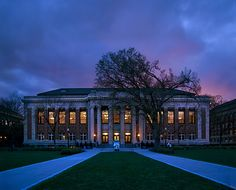 Walter Library at sunset. #UMN #UMNcampus