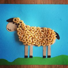 50 awesome spring crafts for kids ideas seed and rotini sunflow ersEasy Easter Crafts for Kids to MakeWith the temperatures slowly rising it's time to get creative with these wonderful spring crafts for kids a list of ideas for all ages to k Hand Crafts For Kids, Animal Crafts For Kids, Spring Crafts For Kids, Summer Crafts, Toddler Crafts, Art For Kids, Sheep Crafts, Farm Crafts, Daycare Crafts