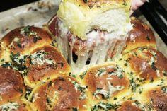 Rwane pizza bułki z salami pepperoni i masłem czosnkowym - Stonerchef Calzone, Pepperoni, Imperium, Pizza, Meat, Chicken, Food, Beef, Meal