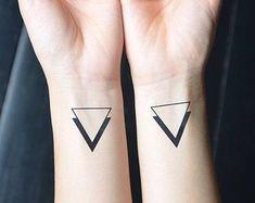 10 Tatuajes minimalistas. – Pensamiento abstracto