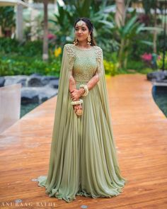 6 Beautiful Wedding Dress Trends in 2020 Indian Designer Outfits, Indian Outfits, Designer Dresses, Gown Party Wear, Party Wear Lehenga, Mehendi Outfits, Bridal Outfits, Stylish Dresses, Fashion Dresses