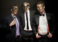 Guys look good in masks they honestly do.
