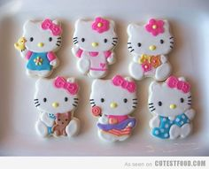 Hello Kitty sugar cookies! These are so cute I don't think I could eat them!