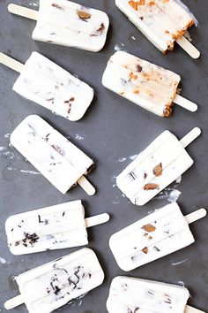 Movie Theater Candy Cheesecake Popsicles (Popsicle Week)   www.floatingkitchen.net