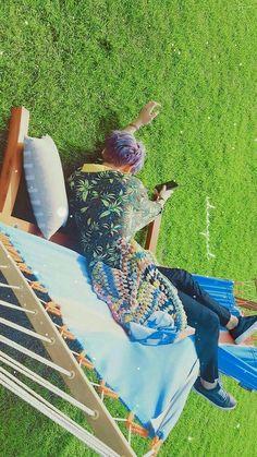 ❝ciri-ciri orang kismin yg dirumah gak ada kasur❞ -you as pcy'gf Kyungsoo, Chanyeol Kokobop, Chanbaek, Kpop Backgrounds, Wallpaper Backgrounds, Ko Ko Bop, Exo Lockscreen, Jaebum Got7, Xiuchen