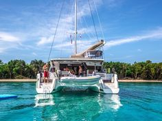 Sailing Blog - Travel Without Boundaries. Stories about sailing around the world on a boat and traveling with the purpose of chasing adventure. Turf to Surf Sailing Blog