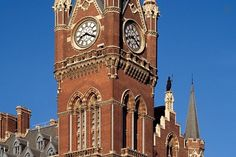 Apartment in London, United Kingdom. A mini apartment within the clock tower apartment at St Pancras Station, with its own en suite bathroom and kitchen and sitting area.  It sits in Sir George Gilbert Scott's gothic revival railway hotel building from 1868.  Ideal for 1 week holiday...