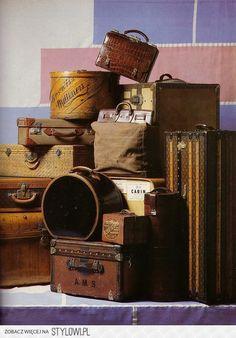 the Luggage museum in Haguenau France Vintage Love, Vintage Decor, Vintage Antiques, Retro Vintage, Vintage Items, Vintage Bags, Vintage Hat Boxes, Vintage Bakery, Design Vintage
