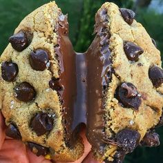 [@stuffed_cookies] #cake_cookies_chocolate#eeeeeats#eat#lovefood#instafood#foodpic#foodie#instagram#insta#comfortfood#cake#cakes#cookie#cookies#chocolate#chocolates#desserts#delicious#yum#yummy#foodporn#icecream#creamy by cake_cookies_chocolate