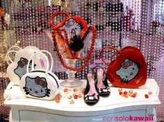 Hello Kitty Store in San Babila, Milano - Autumn/Winter 2009-2010 ¤ non solo Kawaii
