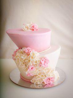 beautiful topsy turvy cake