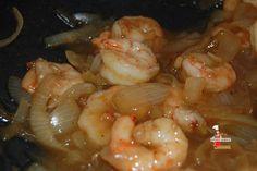 Une sauce piquante pour accompagner les crevettes. - Wok de crevettes à la sauce piquante - Lolibox - Recettes de cuisine