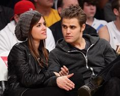Paul Wesley & his wife Torrey DeVitto The Vampire Diaries, Paul Wesley Vampire Diaries, Vampire Diaries Poster, Vampire Diaries Wallpaper, Vampire Diaries The Originals, Torrey Devitto, Nina Dobrev, The Salvatore Brothers, Hot Vampires