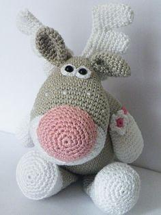 So cute #crochet moose
