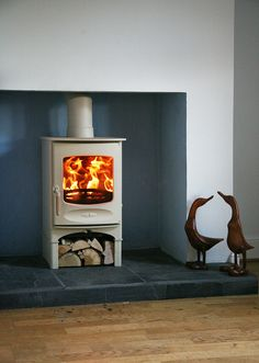 The Charnwood C-Four is a new (range wood burning stove. The stove is DEFRA exempted meaning you can burn wood in smoke control areas. This stove is also available as a multifuel stove. This stove has a cleanburn airwash technology. Small Wood Burning Stove, Log Burning Stoves, Small Log Burner, Fireplace Hearth, Stove Fireplace, Fireplace Ideas, My Living Room, Home And Living, Freestanding Fireplace