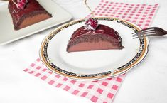 Reteta culinara Prajitura Noire din Carte de bucate, Dulciuri. Specific Romania. Cum sa faci Prajitura Noire Something Sweet, Biscuit, Plates, Tableware, Easy, Licence Plates, Dishes, Dinnerware, Griddles