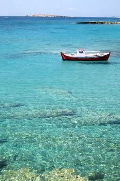 Boat in the Greek sea Oh The Places You'll Go, Places To Visit, A Far Off Place, Greek Sea, Greece Islands, Need A Vacation, Beautiful Beaches, Beautiful Pictures, Around The Worlds