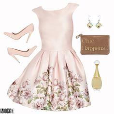 dámske-ružové-šaty-potlač-kvetov-ružové-lodičky-listová-kabelka-náušnice