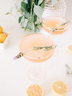 Lavender Lemon Rosé Cocktail — A Fabulous Fete - Cocktails Rose Cocktail, Champagne Cocktail, Cocktail Drinks, Cocktail Recipes, Alcoholic Drinks, Lavender Cocktail, Cocktail Ideas, Signature Cocktail, Beverages