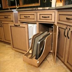 Modern Kitchen Cabinets : Find Custom Cabinets and Drawers Online