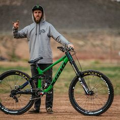 Aggy's fresh 27.5 Operator looking sick! More details to come on this capable machine as the Kona Gravity team prepares for Rampage 2016. #KonaBikes #KonaOperator  Photo: @aledilullophotography