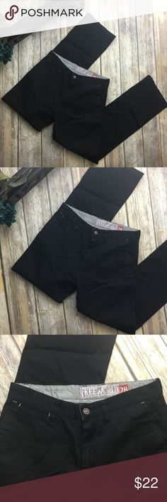 Free World Black Pants. size 28 Free World Black Trouser Pants. Size 28. In excellent used condition. 9 inch rise. 32 inch inseam. 4 useable pockets. Has belt loops. Free World Pants