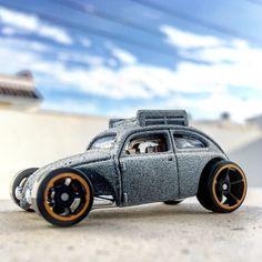 #customvolkswagenbeetle para un día frío #volkswagen #volkswagenbeetle #custom #msqrd #hotwheels #diecastcar #diecast #hotwheelscollector #hotwheelsdaily #hotwheelspics #hotwheelsrepost #hotwheelsspain #diecastcars #diecastpics #miniaturas #cochecito #cartoys #hwc #ajrhw #wheels #diecastphoto #diecastphotography #twitter