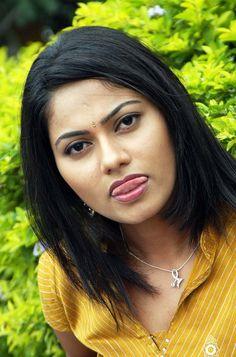 telugu-masala-actress-unknown-21