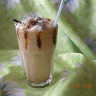 Fotografie receptu: Ledové frappé se zmrzlinou