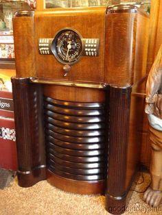 Zenith radio circa 1939