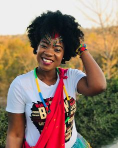 I am a Natural hair Fanatic I am proudly African I am unapologetically Tsonga Big Natural Hair, Natural Hair Bun Styles, Natural Hair Growth, Natural Hair Journey, African Hairstyles, Afro Hairstyles, Afro Hair Tutorial, 4b Hair, Afro Puff